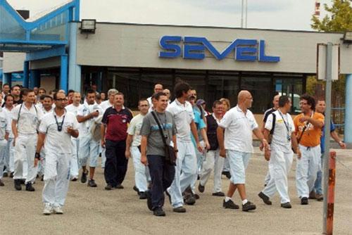 Operaia risarcita dalla Sevel Atessa