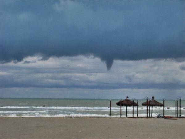 Pescara: Per una volta la mareggiata aiuta