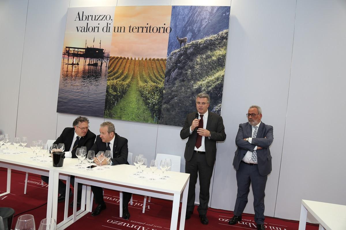 Abruzzo al Vinitaly 2016  alla conquista del mercato delle bollicine