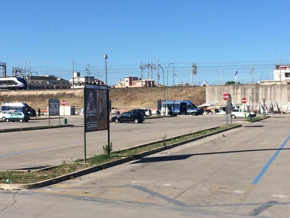 Pescara, sgomberato il mercatino abusivo dei senegalesi