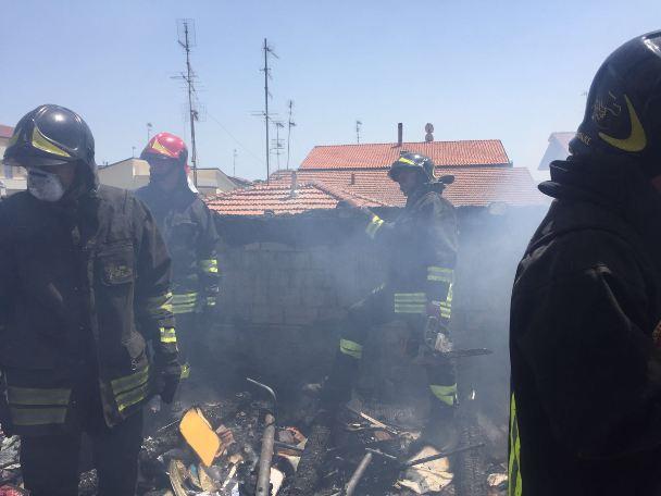 Giulianova: incendio in mansarda, evitata l'esplosione