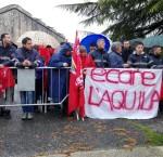 Lavoratori della Ecare aquilana in attesa del premier