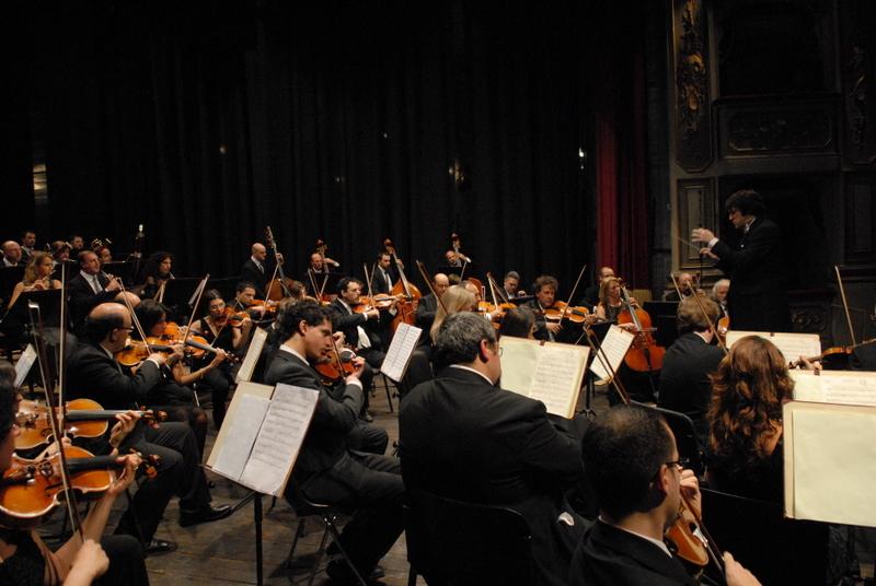 "Abruzzo, musica sinfonica ""live"" in fabbrica"