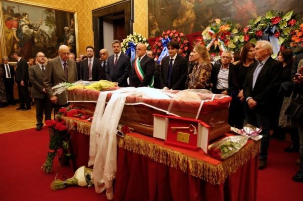 Da Montecitorio a Piazza Navona, omaggio infinito a Pannella