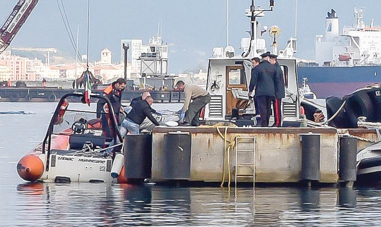 Peschereccio recupera cadavere al largo di Pescara