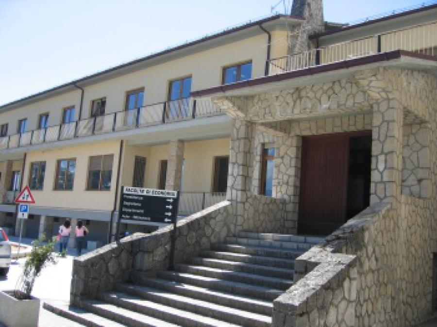 Altre due palazzine all'Università dell'Aquila