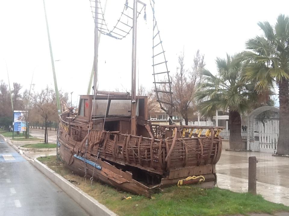 Pescara: Alessandrini vuole demolire il galeone di Eriberto