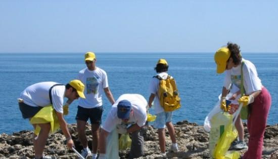 """""""Spiagge pulite"""" con i volontari di Legambiente"""