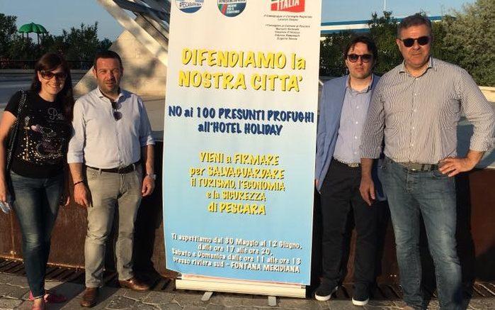 forza-italia-firme-profughi-holiday1
