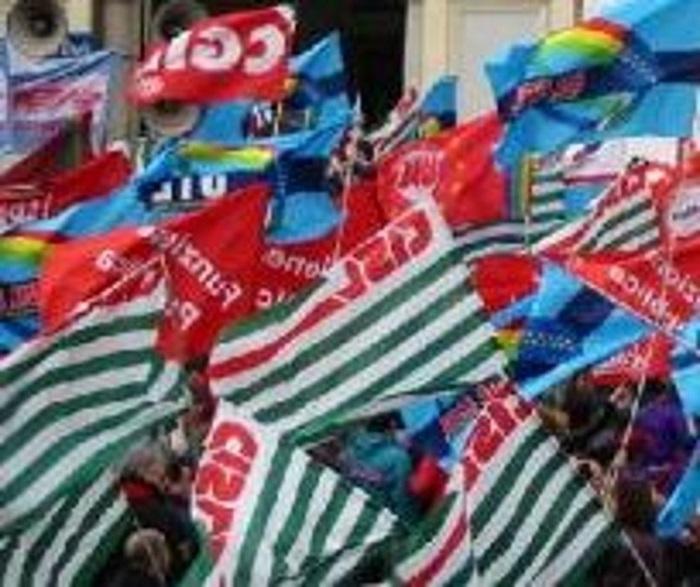 In 35.000 attendono rinnovo contratto, sit-in a Pescara