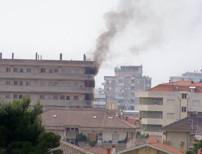Montesilvano: nuovo incendio in via Lazio