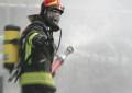 Incendio in via Santa Lucia a Vasto: il rogo minaccia le case