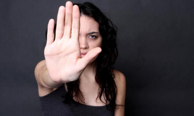 Pescara: abusa della figlia per 10 anni, condannato