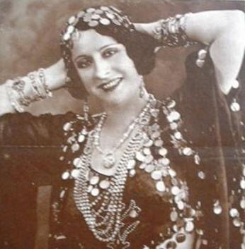 """Città Sant'Angelo: a teatro con """"Madame Badia Casino"""""""