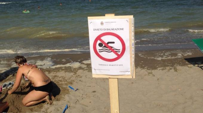 Mare Pescara: divieto di balneazione per pioggia