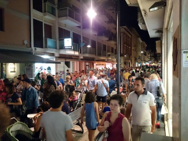 """A Pescara la notte dei Saldi """"Azzurri"""""""