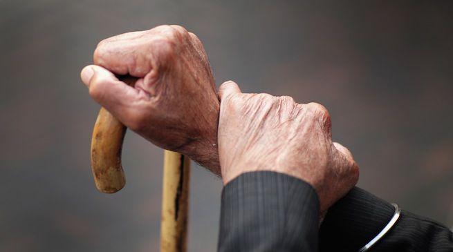 Abruzzo, anziani in case-famiglia abusive