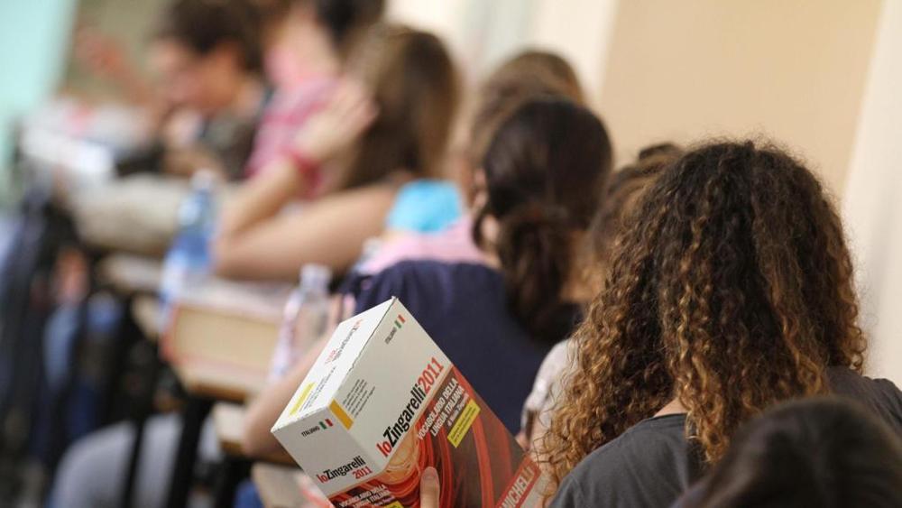 Esame di maturità per 11.395 abruzzesi, tracce su Eco e donne al voto
