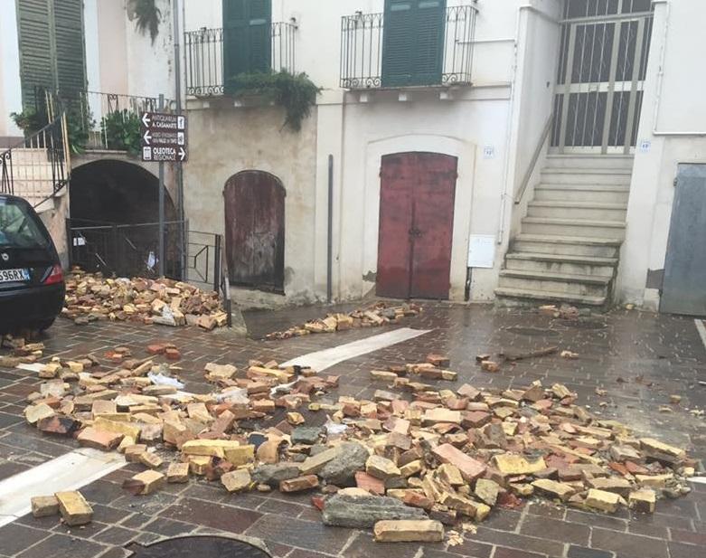 Loreto: nuovo crollo nel centro storico (Video)
