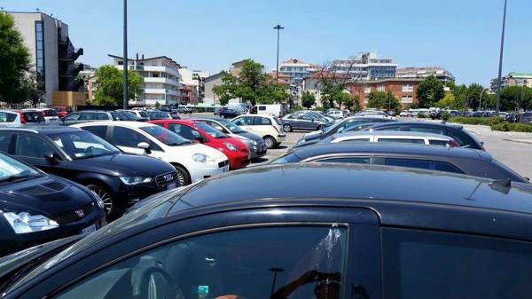 Il caro-parcheggi dell'estate a Pescara