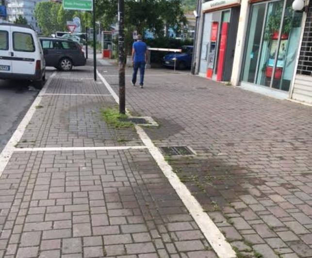 Perdita d'acqua in Via Marconi a Pescara
