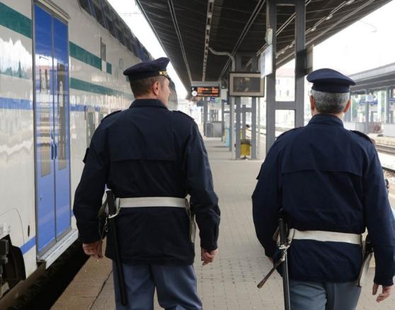 Pescara, aggredita e rapinata in pieno giorno
