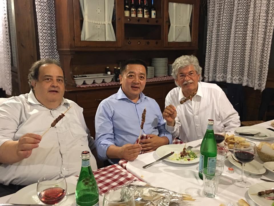 Razzi accoglie con arrosticini ambasciatore Mongolia