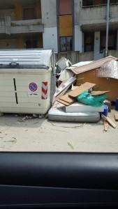 rifiuti montesilvano via ariosto 2