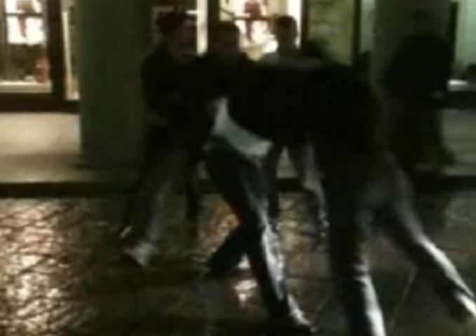 Pescara: Aggredito 22enne sulla riviera