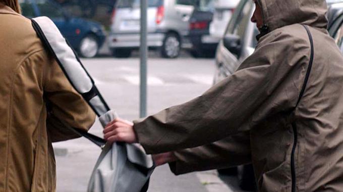 Pescara, preso lo scippatore seriale di borsette