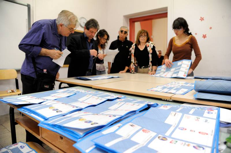 """Elezioni Abruzzo, scrutinio """"lumaca"""": superate le 12 ore"""