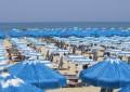 Abruzzo: ombrelloni presi d'assalto a Ferragosto