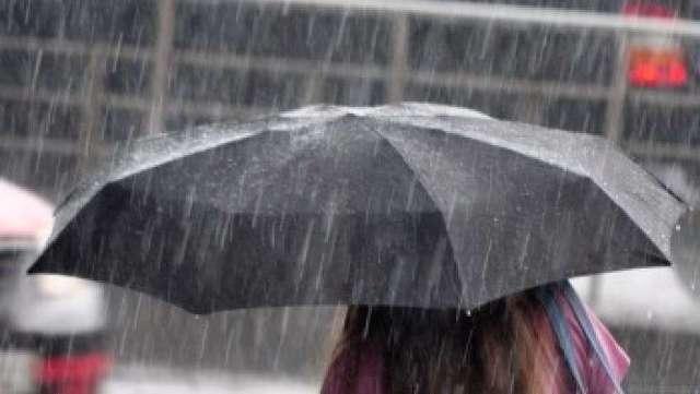 L'Aquila: pioggia blocca scuolabus