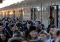 Treno Sulmona-L'Aquila bloccato per 2 ore tra i campi