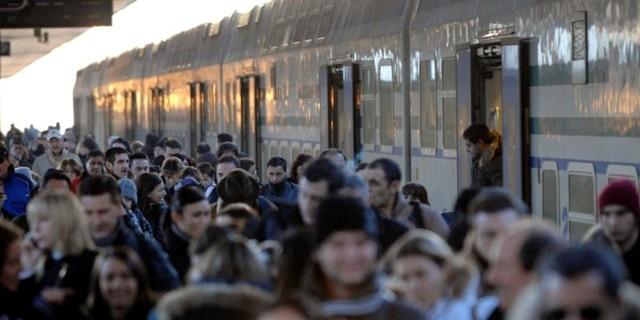 Avezzano: 35enne ubriaco blocca treno dei pendolari
