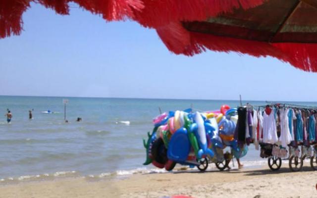 Francavilla al mare: griffe contraffatte sequestrate in spiaggia
