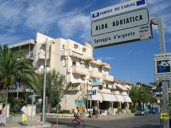 Alba Adriatica: donna di 47 anni trovata morta in casa