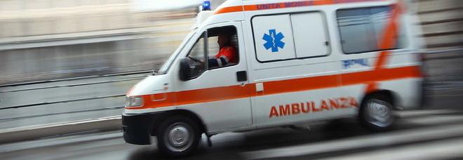 Penne, bimbo sviene ma non c'è l'ambulanza