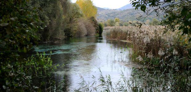 Fiume Pescara, M5s: laghetti al posto delle vasche di cemento