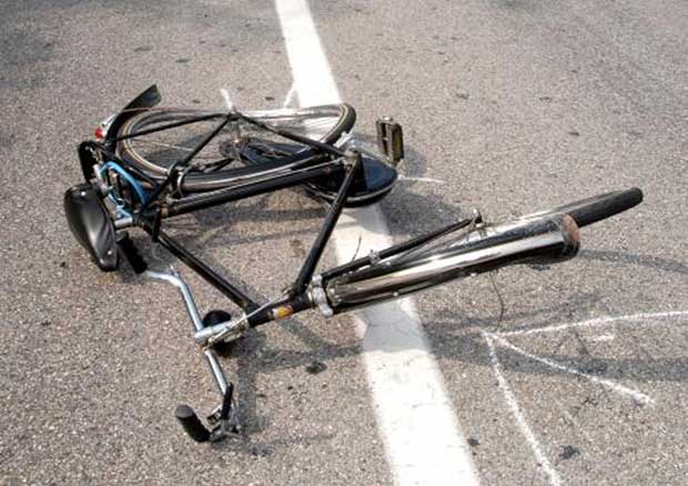Chieti: incidente in bici, 14enne sfonda lunotto dell'auto