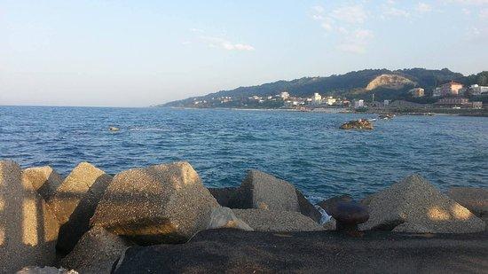 San Vito, disposte analisi per le macchie in mare