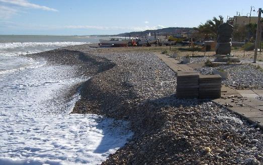 Costa teatina: il maltempo fa sparire le spiagge