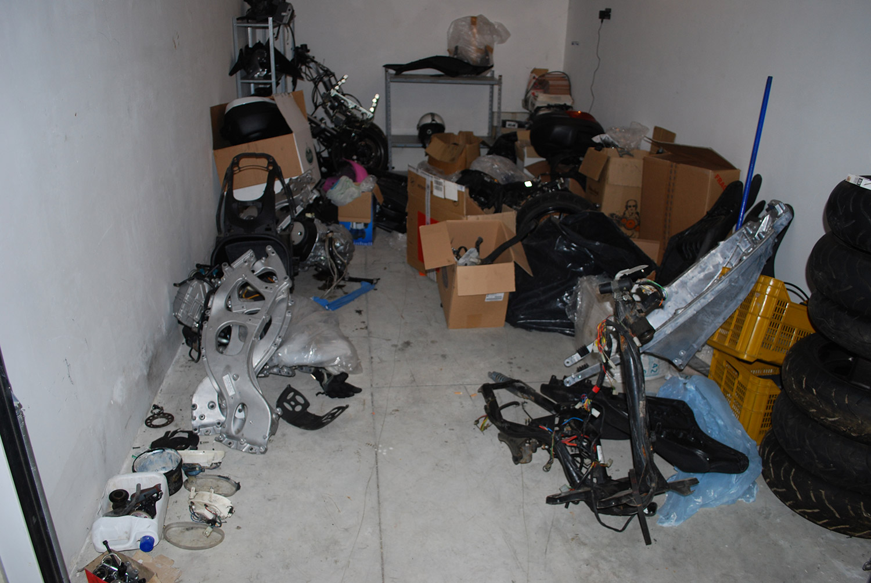 Scoperto a montesilvano garage di moto rubate for Garage moto courbevoie