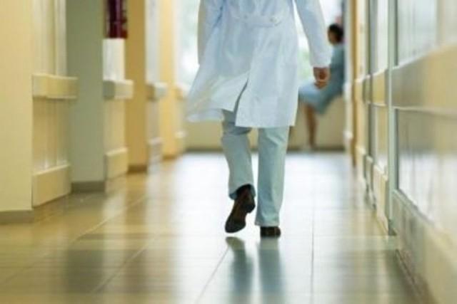 Ospedale Chieti: Barelle in corsia a Medicina
