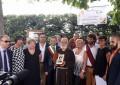 Guardiagrele: sindaco consegna Chiavi a Padre Guglielmo
