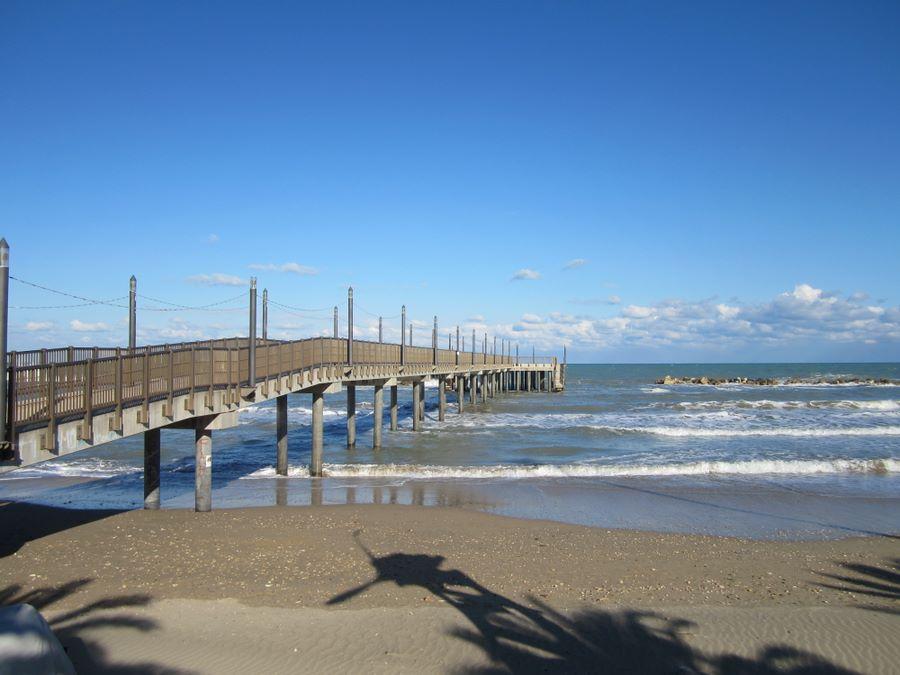 Francavilla: Cartelli di balneazione in spiaggia