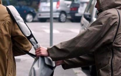Giulianova: scippa un'anziana in pieno centro, arrestato