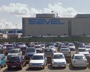 """Un guasto """"ferma"""" 2300 furgoni alla Sevel"""