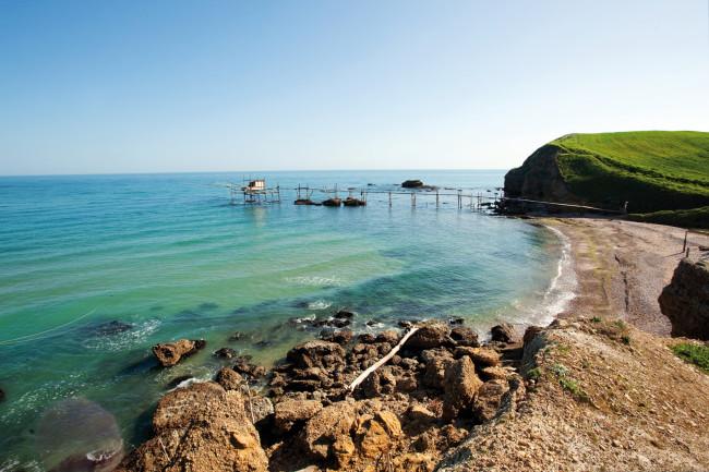Punta Penna Vasto: Turista salvato dalle onde