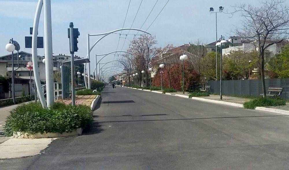 Pescara, preso a pugni sulla strada parco